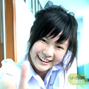 ชื่อเล่น : จีนค่ะ,  ชื่อจริง : เกล้าเเก้ว  สินเทพดล  โรงเรียน : มัธยมวัดนายโรง อินเตอร์